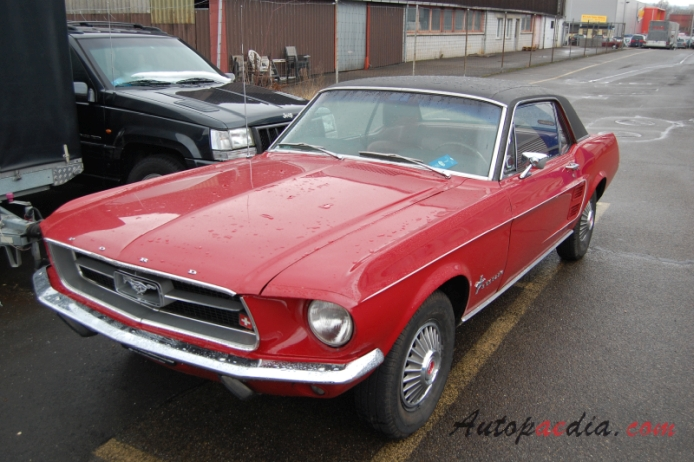 Ford Mustang 1st generation 1964-1973 (1967 hardtop), left front view
