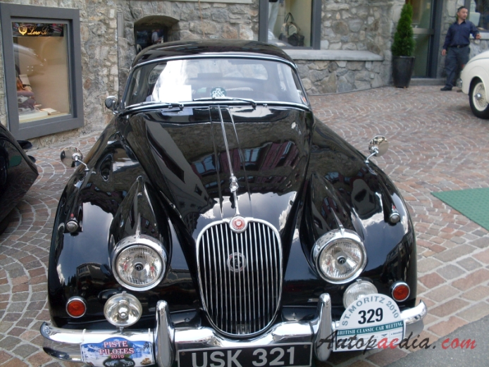Jaguar XK150 1957-1961 (1960 Fixed Head Coupé FHC 3.4L), front view