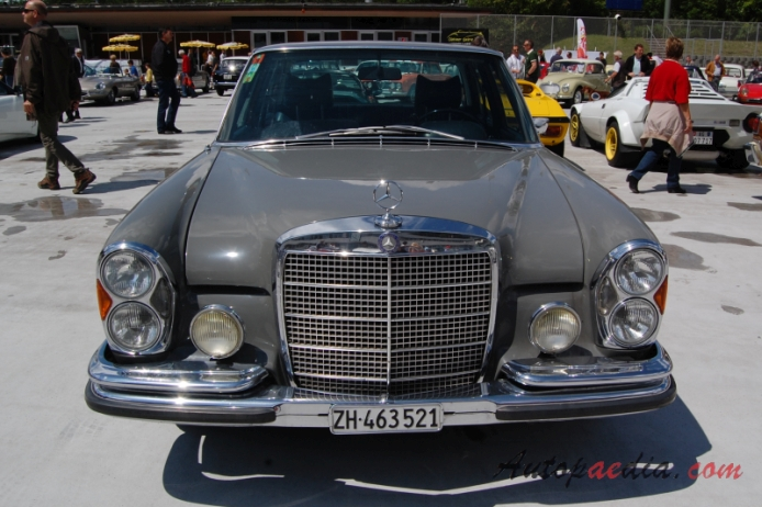 Mercedes-Benz W108 1965-1972 (1967-1972 280SE sedan 4d), przód