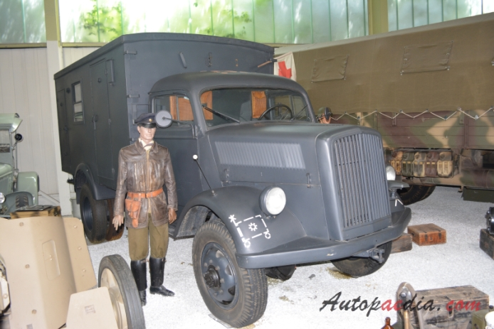 Opel Blitz 1st generation 1930-1954 (1944 military truck), right front view