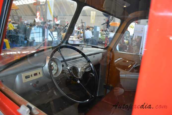 Opel Blitz 2nd generation 1952-1960 (1955 KLF6-TS 8/8 Ziegler fire engine), interior